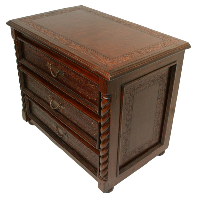 Large Solomon Nightstand, Colonial Border